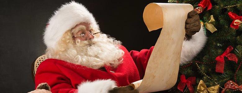 санта клаус читает письмо рождество новый год завершение года марафончистофон